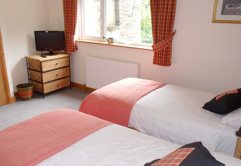 The twin bedrooms are comfortable and quiet - just what you need after a day walking, or exploring the beautiful welsh countryside
